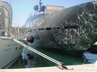 bateau moteur plaisance faviere port